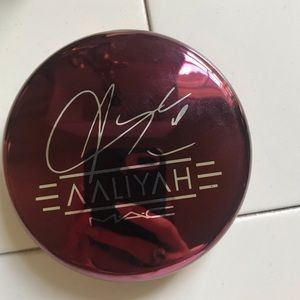 Lighty Used MAC Aaliyah Bronzer